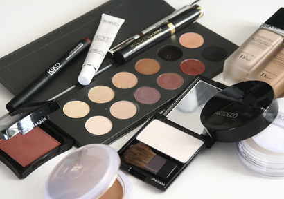 Health Canada Considers Restriction on Pigment Red 4 in Cosmetics