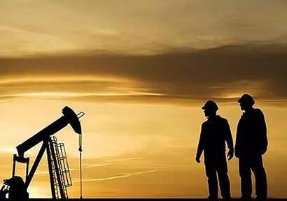 Saudi Arabia Expecting Longer-Term Crude Reduction Agreement