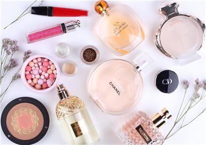 Korean cosmetics show different characteristics with Korean cosmetics.