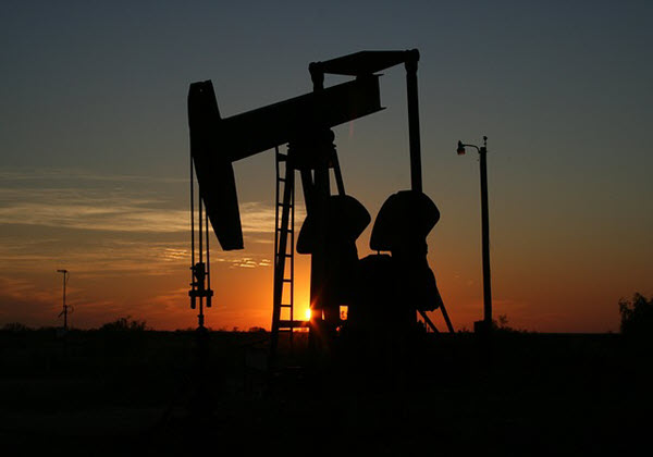 Oil prices fall despite extension of OPEC+ output cuts