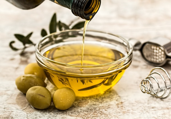 Olive extract hydroxytyrosol may assist in the treatment of breast cancer