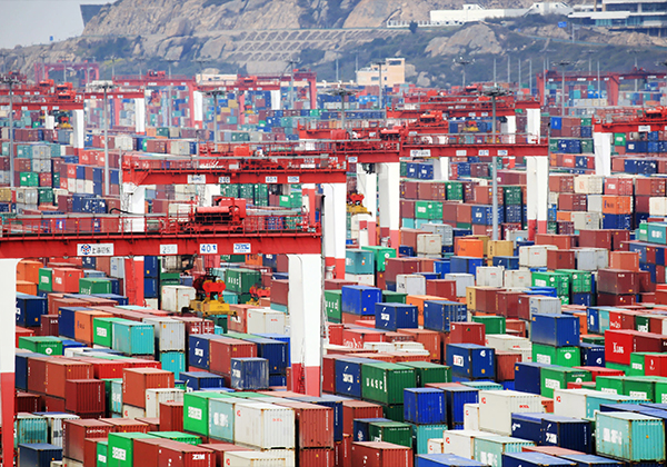 China's weekly export container shipping index down 0.1 pct