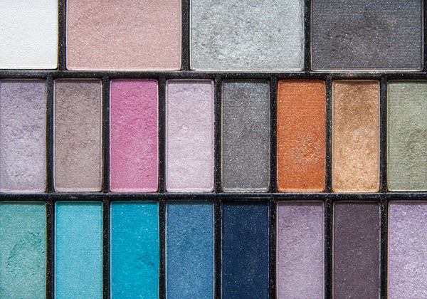 Raw material for sensory modification of cosmetics-pigment