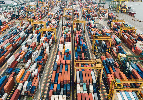 China's exports and imports trade value both increased in June