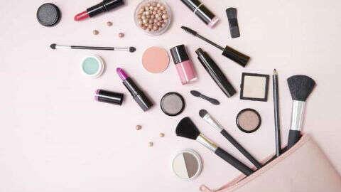 China's cosmetics retail sales up 9